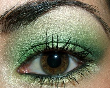 green eyeshadow for brown eyes. green eyeshadow makeup.