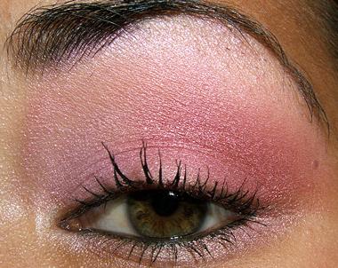 makeup 080707 open2 Soft Pink Look Using Fresco Rose Paint Pot