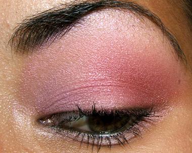 makeup 080707 side Soft Pink Look Using Fresco Rose Paint Pot