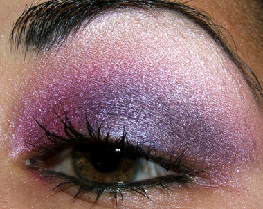 Blue And Purple Makeup. (dark blue-purple)