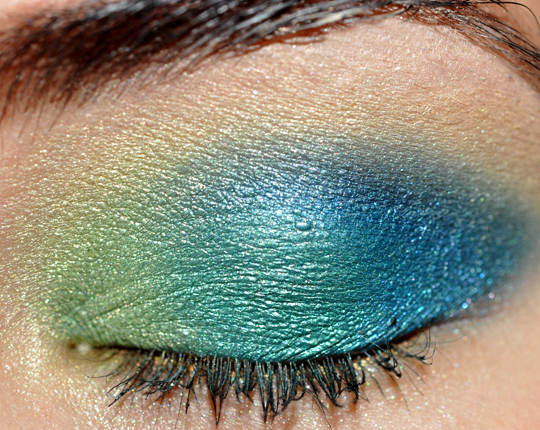Eyeshadow (dark blue), MAC Gorgeous Gold Eyeshadow (green-toned gold),