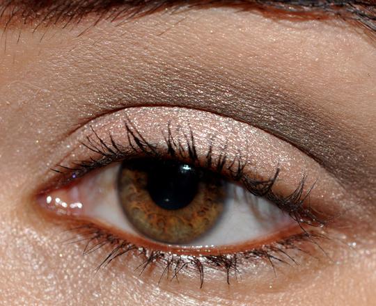 neutral eyeshadow palette. (neutral eyeshadow base),