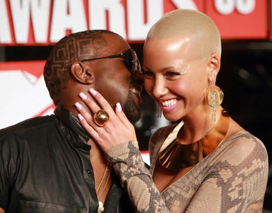 amber rose kanye west vma. Kanye West amp; Amber Rose @ 2009