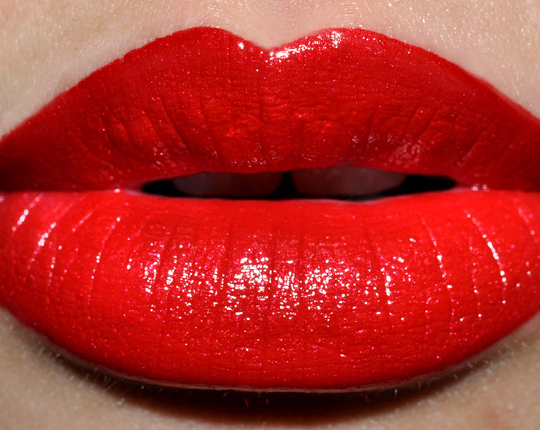 http://www.temptalia.com/images/fall09/chanel_rougeallurelaque001.jpg