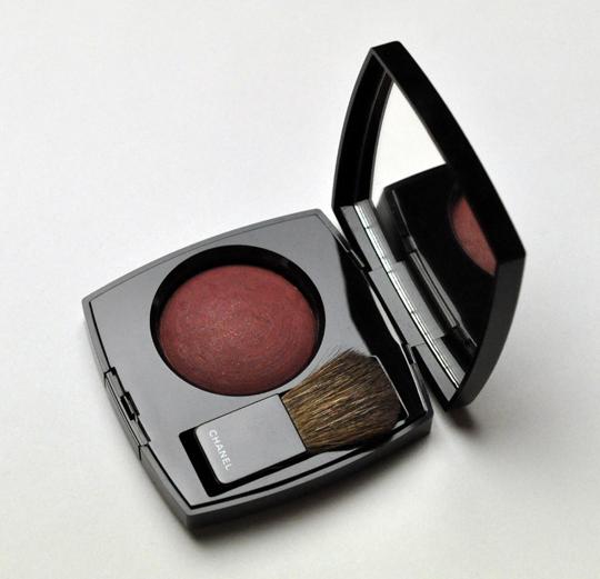 Chanel Plum Attraction Joues Contraste Blush