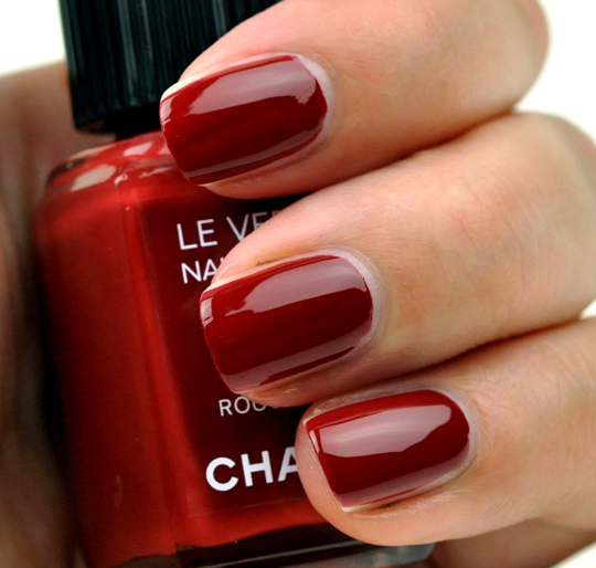 Chanel Rouge Fatal Le Vernis Review Photos Swatches