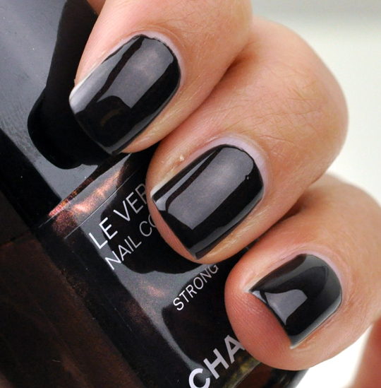 Chanel Strong Le Vernis