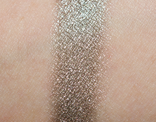 Chanel Illusion d'Ombre Long-Wear Luminous Eyeshadow