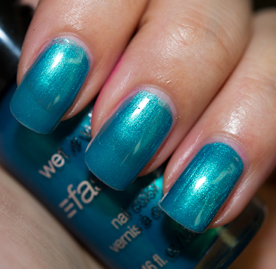 Wet 'n' Wild Teal or No Teal Fast Dry Nail Lacquer