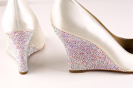 How-to Apply Swarovski Crystal / Rhinestone onto Shoes ...