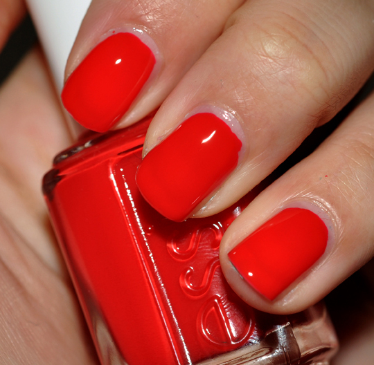 Essie Sweet Time Of The Year Collection Review, Photos