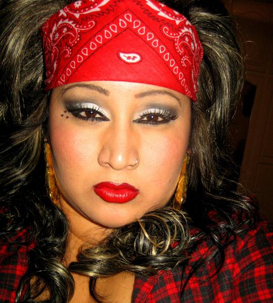 cholas makeup. The application of the makeup