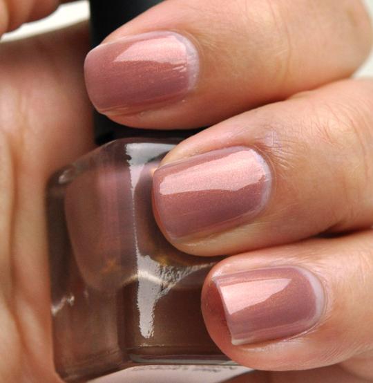 Le Metier de Beaute Nail Lacquer