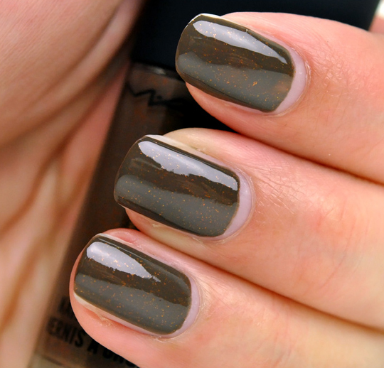 MAC Style Clan Nail Lacquer