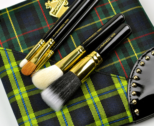 MAC Tartan Tale: A Lady and Her Tricks Brush Set