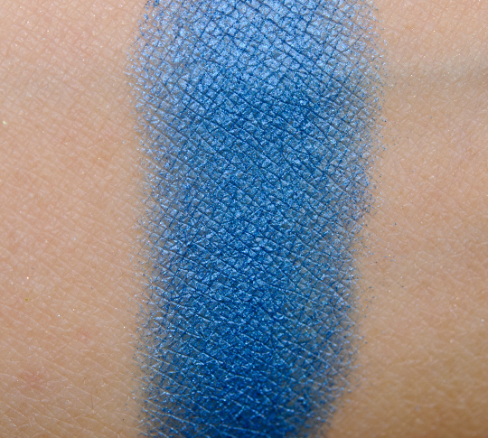 NYX Kiss in Casablanca Eyeshadow