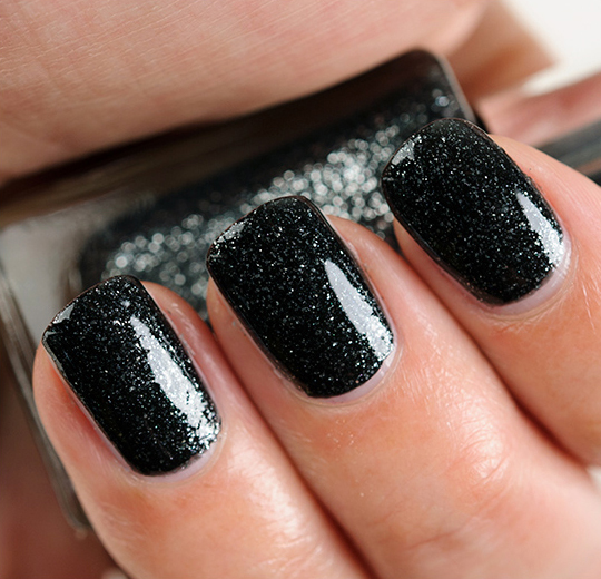 L'Oreal The Queen's Ambition Nail Lacquer