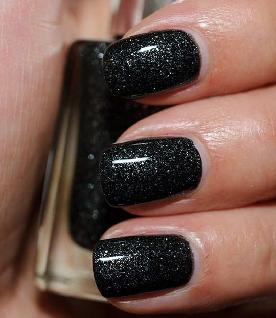 Loreal Nail Polish Swatches: L'Oreal The Queen's Ambition Nail Lacquer Review, Photos