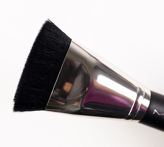 MAC 163 Flat Top Contour Brush