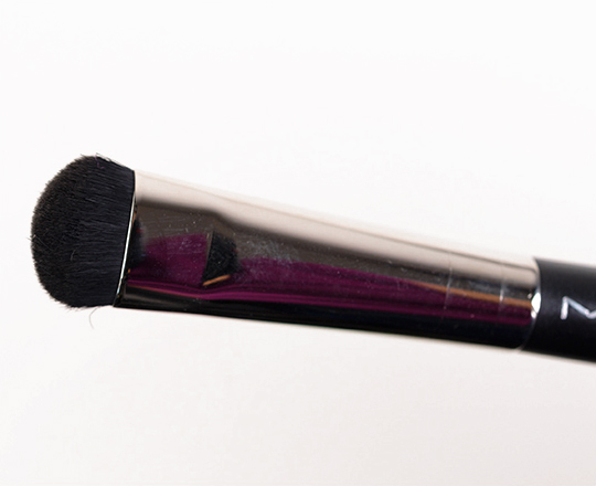 MAC 215 Medium Shader Brush