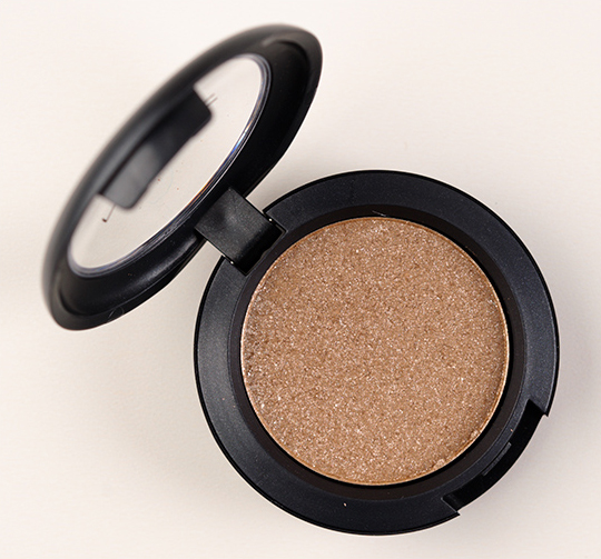MAC Day Gleam Pressed Pigment