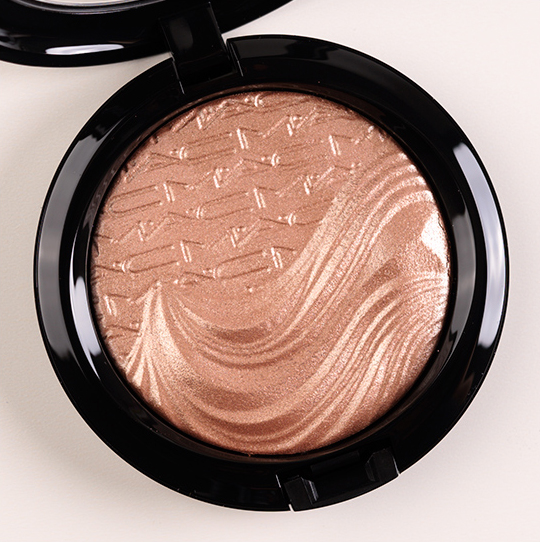 MAC Superb Extra Dimension Skinfinish/Highlighter