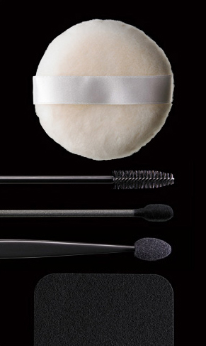 MAC COSMETICS | ACCESSORIES
