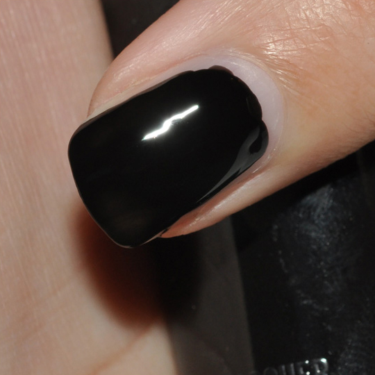 MAC Style Black: Nail Lacquers Review, Swatches, Photos