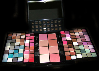 SEPHORA ENCHANTED HOLIDAY 2007 COLLECTION