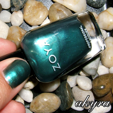 ZOYA UTOPIA WINTER 2007 | AKYRA