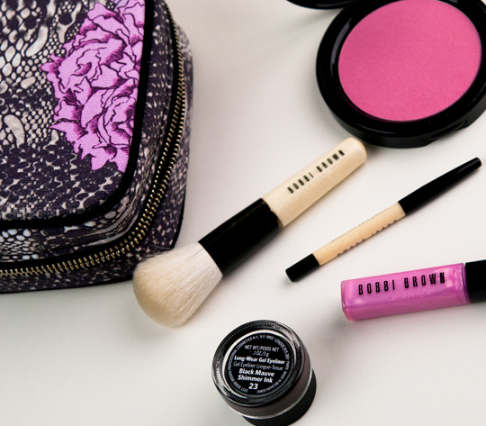 Bobbi Brown Peony & Python Kit