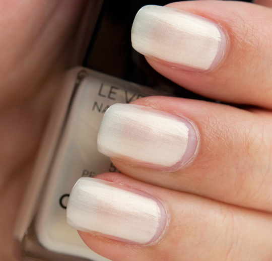 Chanel Pearl Drop Le Vernis