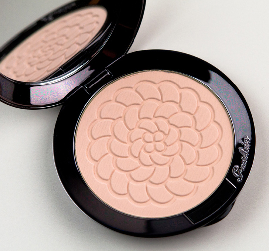 Guerlain Teint Rose Meteorites Illuminating & Mattifying Pressed Powder