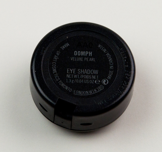 MAC Oomph Eyeshadow