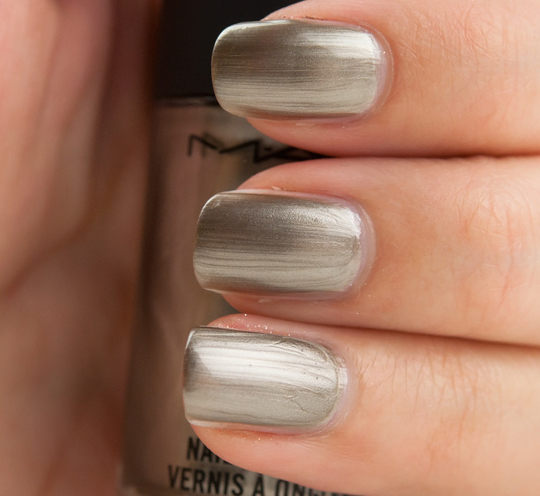 MAC Very Important Platinum Nail Lacquer