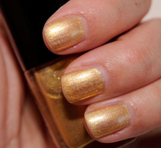 Chanel Gold Fingers Le Vernis / Nail Lacquer