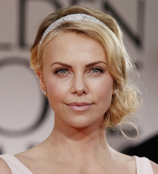 Charlize Theron @ 2012 Golden Globes Awards
