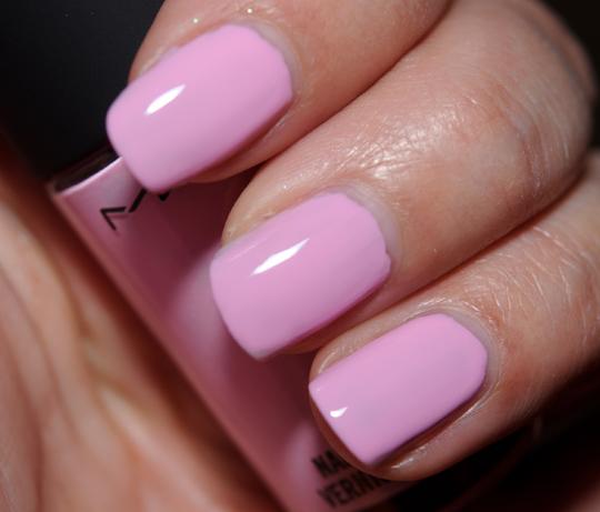MAC Pinkly Fresh Nail Lacquer