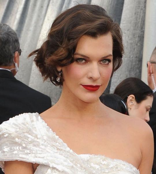 Milla Jovovich @ 2012 Oscars