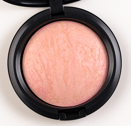 MAC Porcelain Pink Mineralize Skinfinish