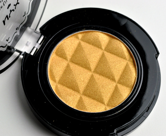 NYX Blonde Pearl Eyeshadow