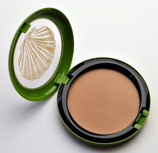 mac to the beach collection beach bronze weekend cream bronzer review photos swatches. Black Bedroom Furniture Sets. Home Design Ideas