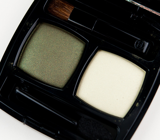 Chanel Khaki-Discret Eyeshadow Duo