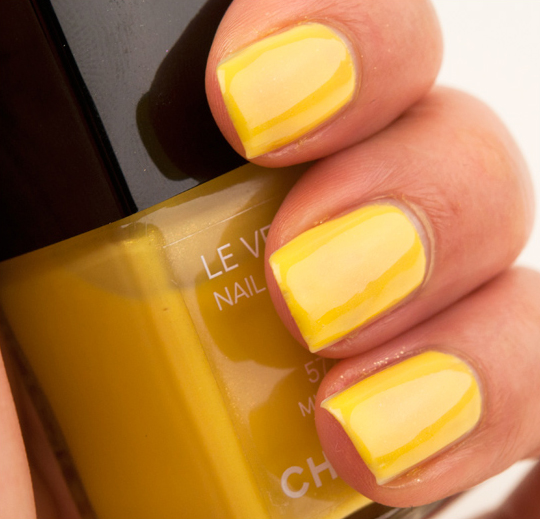 Chanel Mimosa Le Vernis