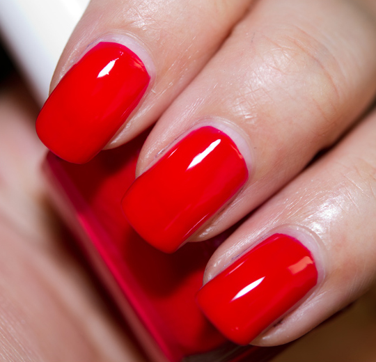 Essie Too Too Hot Nail Lacquer