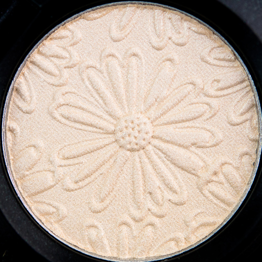 MAC Fresh Daisy Eyeshadow