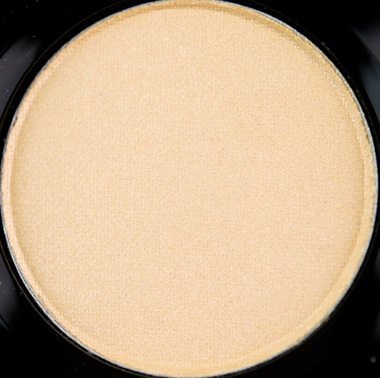MAC Short ShortsEyeshadow