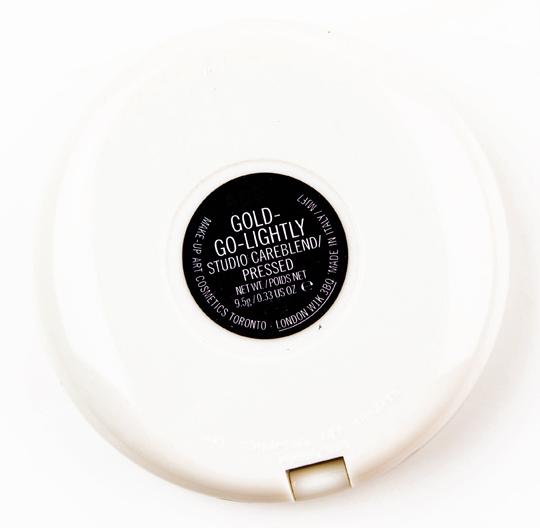 MAC Gold-Go-Lightly Studio Careblend Pressed Powder