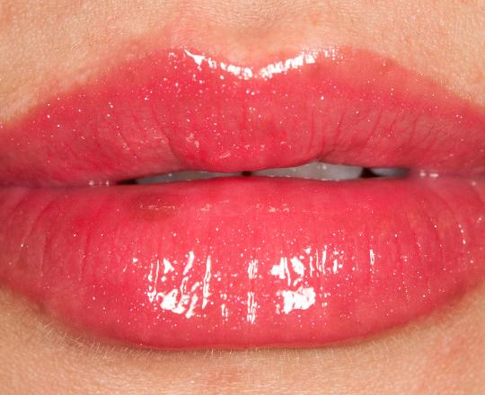 Revlon Strawberry ColorBurst Lipgloss