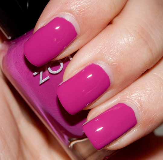 dark pink nail polish - 539×531